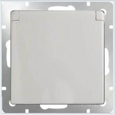 Розетка влагозащитная с заземлением с защитной крышкой и шторками (белая) Werkel WL01-SKGSC-01-IP44